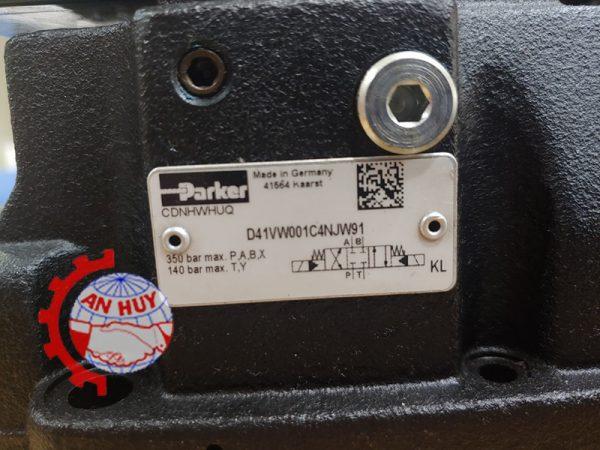 van-dieu-khien-Parker-D41VW001C4NJW91